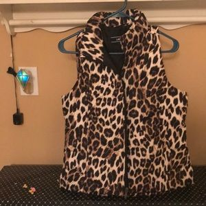 NWOT Lands END leopard puffed vest